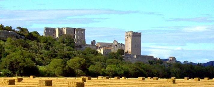 Ad Arles, un'abbazia e uno stilista per una mostra straordinaria