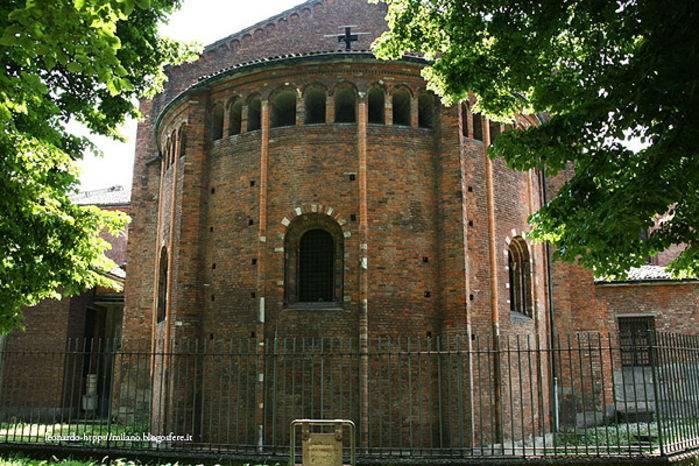 Un'abside della basilica.