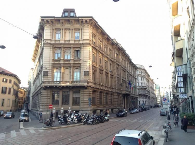 Il Palazzo del Touring Club Italiano in corso Italia a Milano