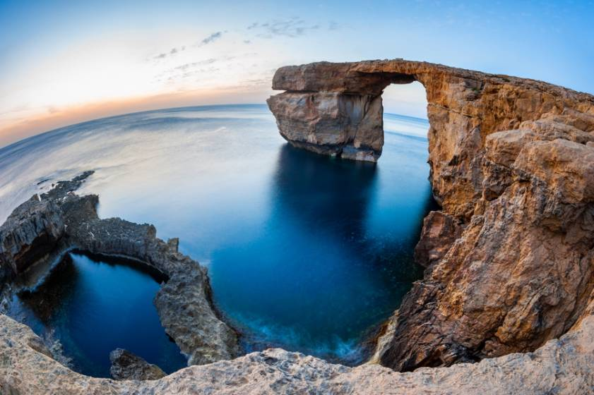 Crollato l 39 arco naturale simbolo di malta - La finestra azzurra gozo ...