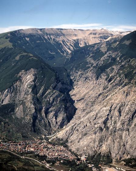 Fara San Martino - Gole di San Martino - foto Gal Maiella Verde