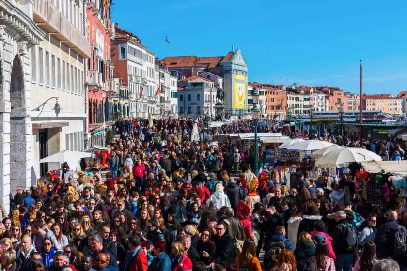 Venezia: la posizione del Touring sulla \