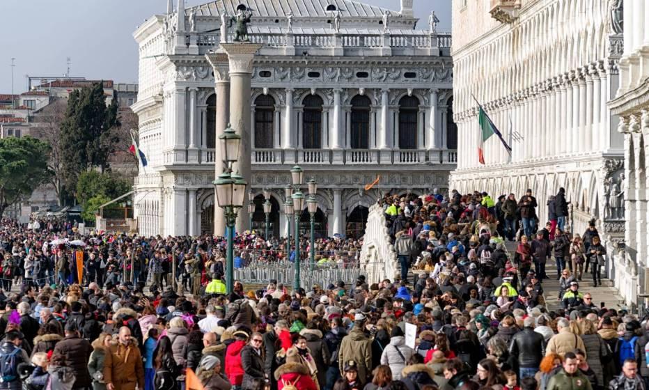 La Giunta comunale di Venezia introduce una tassa d\'accesso alla ...