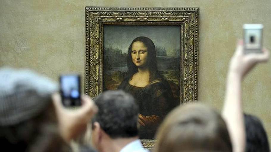 Parigi: la Monna Lisa pronta per il giro del mondo