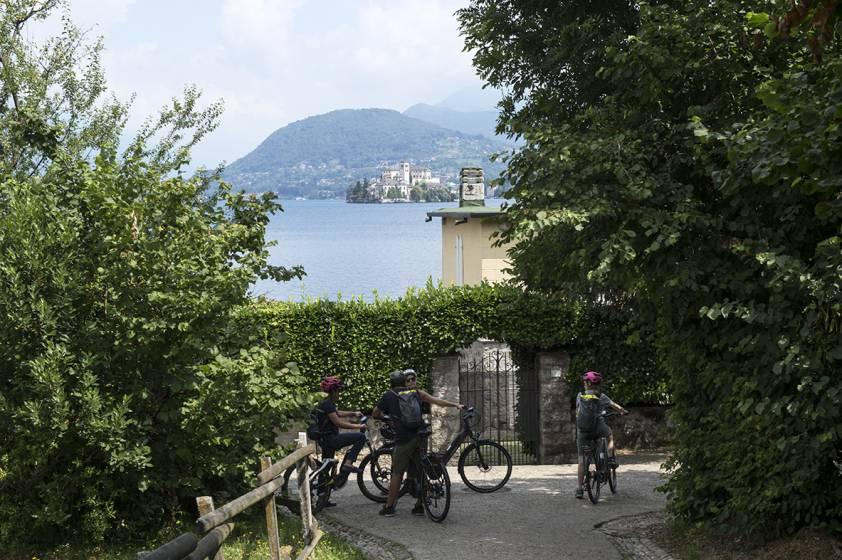uk sporco qualità stabile nuovi stili Sul lago d'Orta in e-Bike