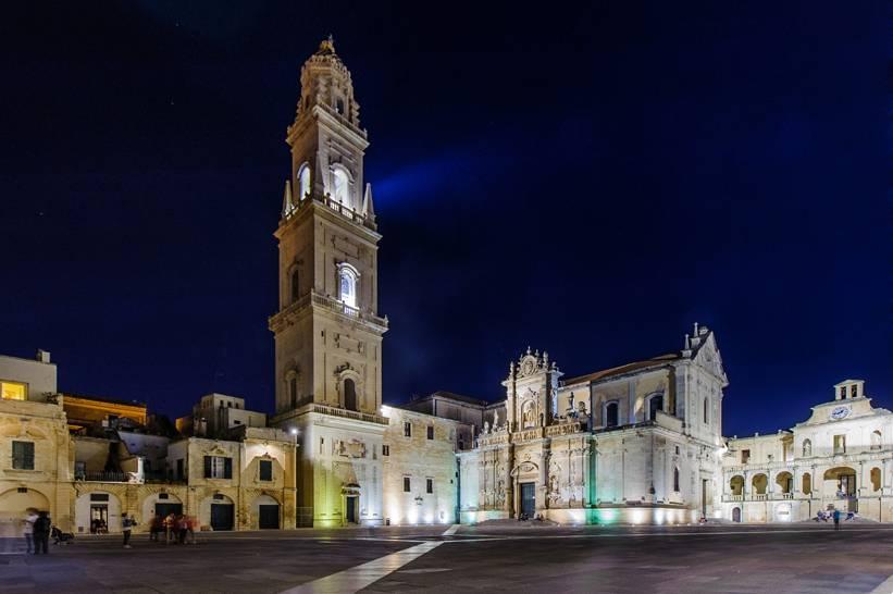 Lecce - Piazza Duomo (ph. Andrea Ruggeri)