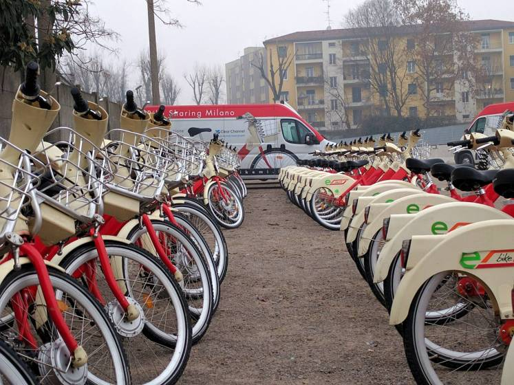 Il rilancio di bikemi la milano del bike sharing avr for Mobile milano bike sharing