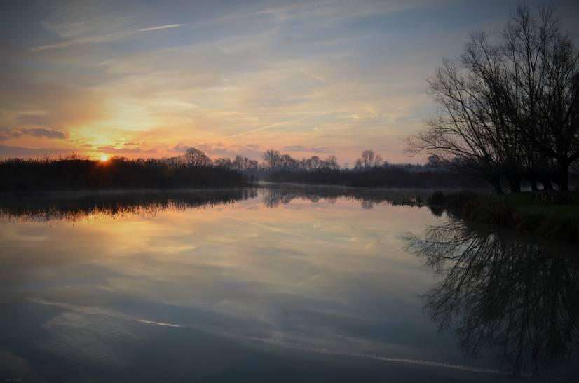 Alba sul fiume Mincio