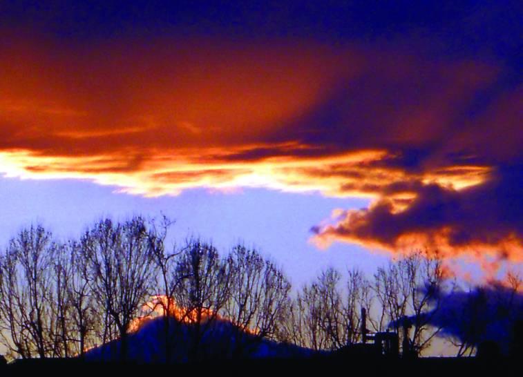 Cieli romani . Scattata all'alba a ridosso del Tevere .