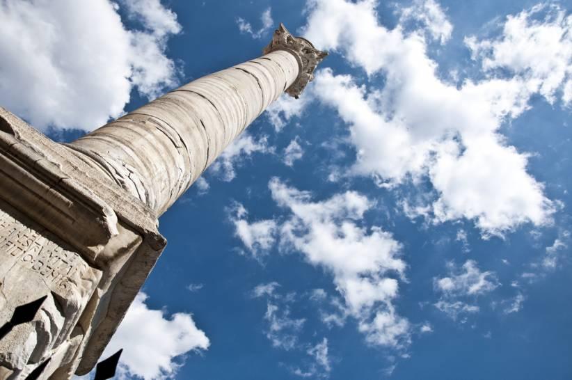 Alla fine della Via Appia puntando verso il cielo