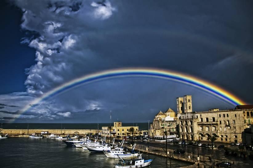Arcobaleno sul Duomo di Molfetta (BA).