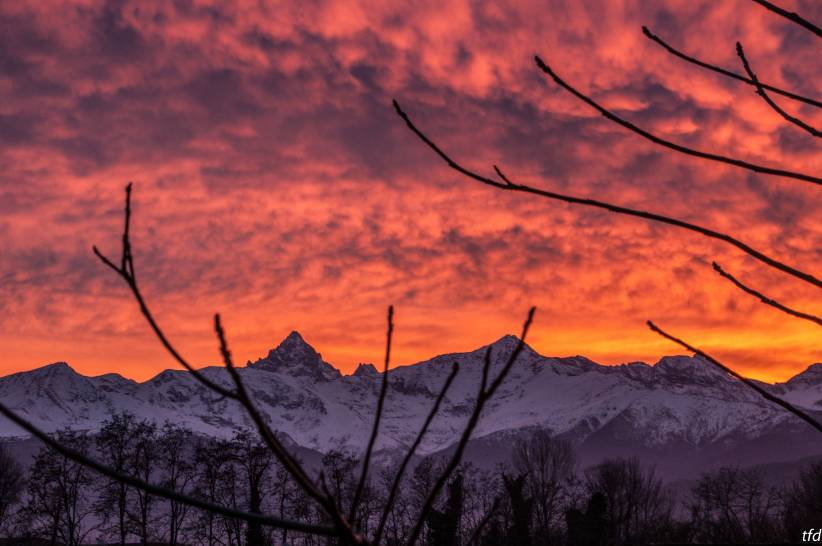 cielo al tramonto sul Monviso