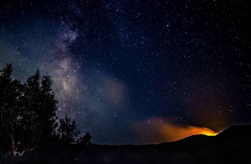 Nuvole di fuoco, nuvole di stelle