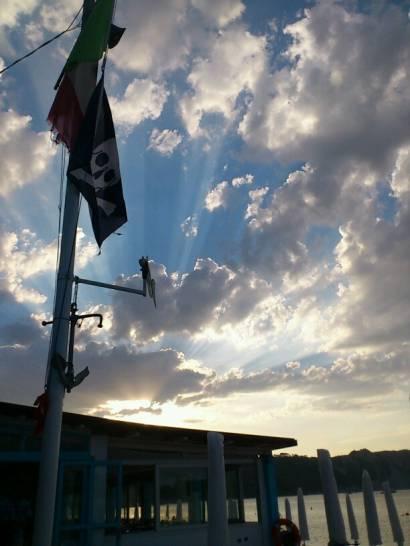 Cielo pirata sopra il Conero