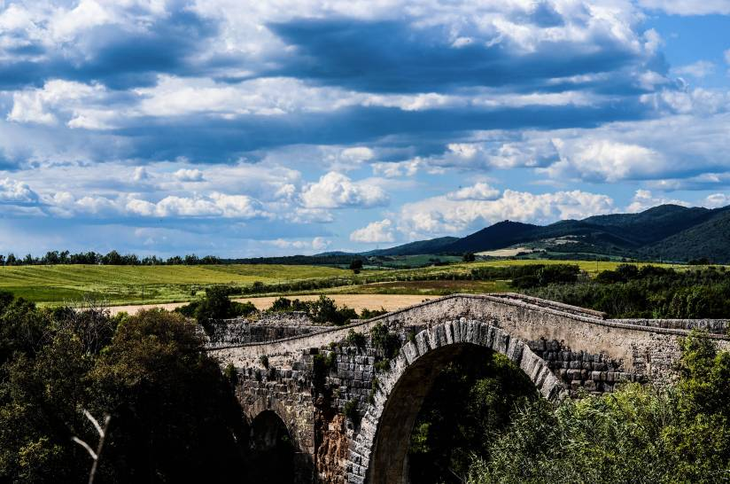 Ponte dell' Abbadia, Castello di Vulci