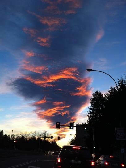 Una nuvola al tramonto