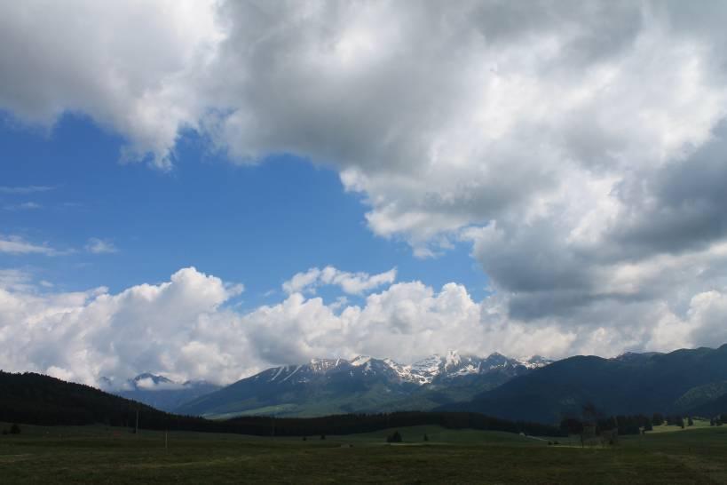 Il monte Cavallo dalla piana del Cansiglio