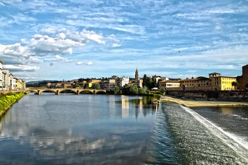 riflessi del cielo su Firenze