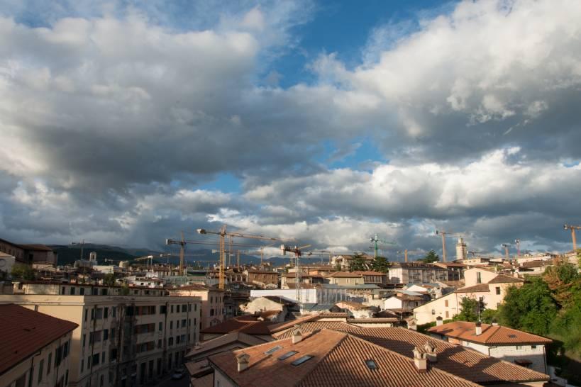L'Aquila: Il cielo sulla ricostruzione...