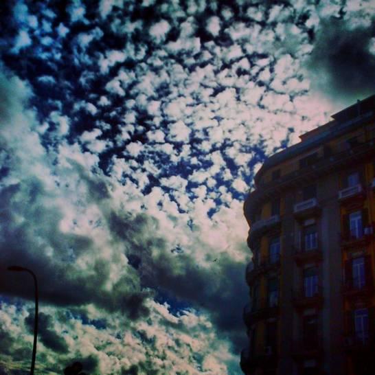 Napoli: pezzi di infinito cielo.