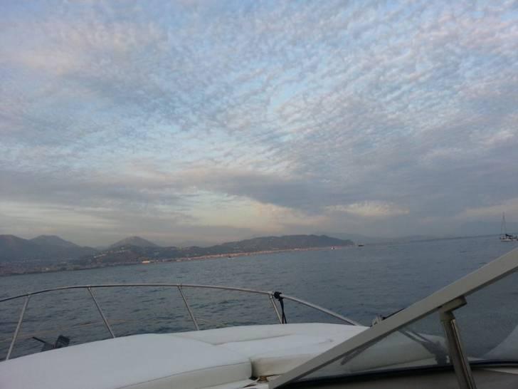 cielo d'agosto sul golfo di Salerno