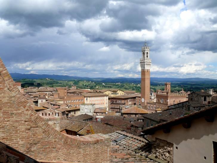 Nuvole su Siena