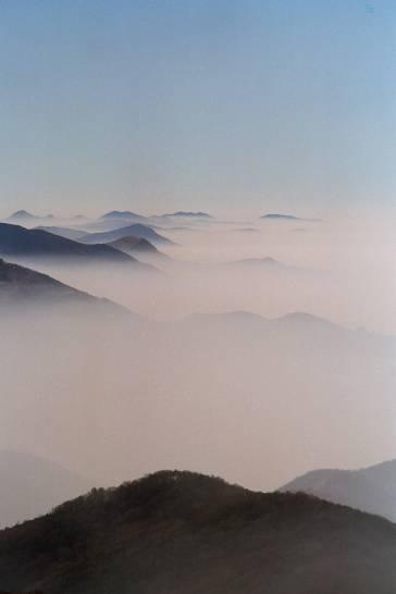 La nebbia ai colli tra Bergamo ed il Garda