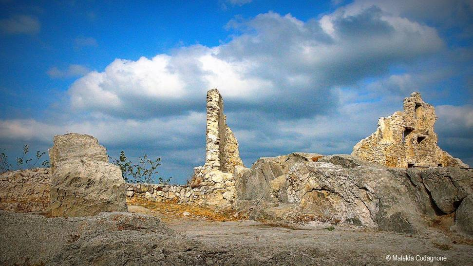 Tempesta in arrivo sui resti di Gessopalena vecchia