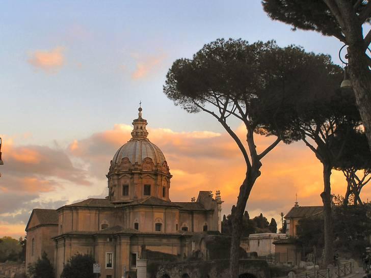 Roma - il cielo e la chiesa