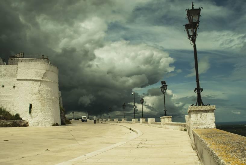 Nuvole sul bianco