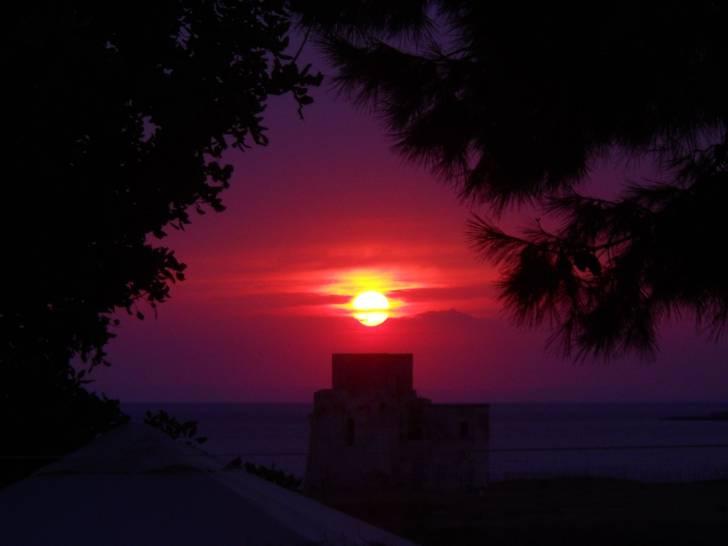 tramonto sul lungomare di Taranto