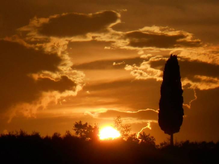 tramonto in chianti- tavarnelle val di pesa