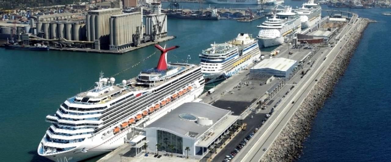 Le grandi navi inquinano più delle auto: i sorprendenti dati rilevati nei porti