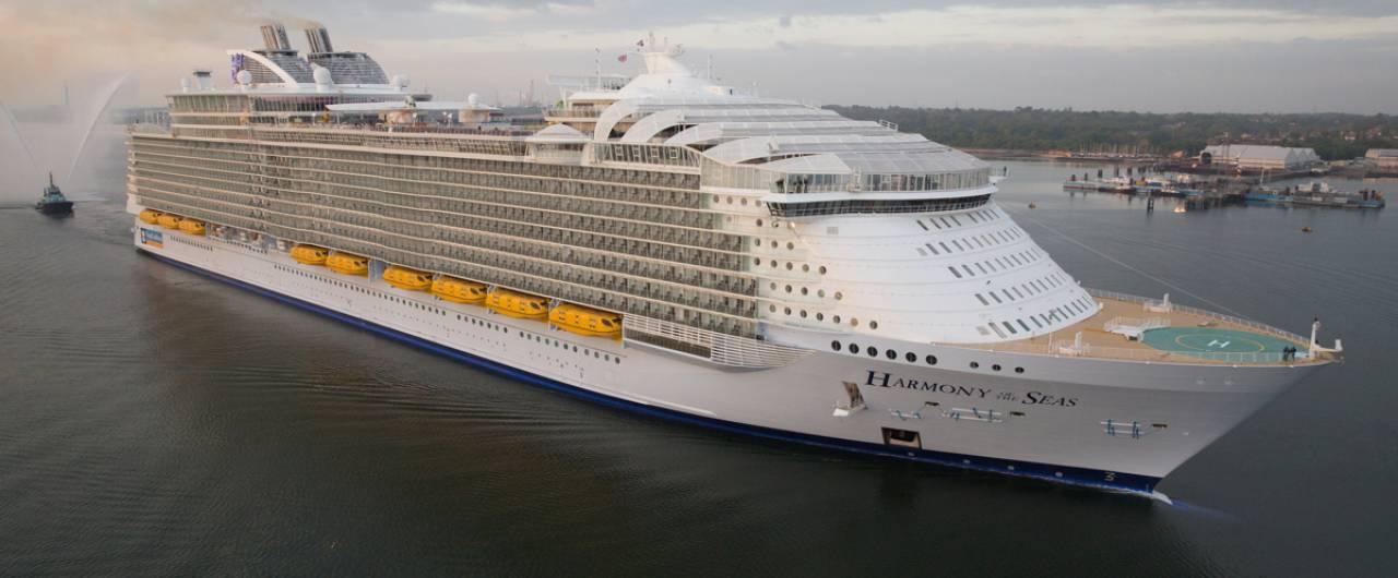 Salpata la nave più grande del mondo