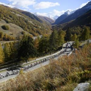 Il Giro del Touring 2020, tappa 20. L'arrivo al Sestriere e l'appassionante volata per la vittoria finale