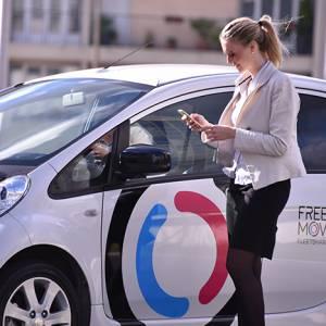 Parigi sempre più verde: al via nuovi car sharing elettrici, anche per i turisti