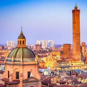 Le più belle immagini di Bologna, la città che amiamo al volo