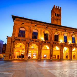 Salotti d'Italia: alla scoperta di Piazza Maggiore a Bologna