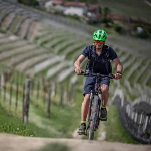 Con la bicicletta elettrica tra Monferrato e Langhe