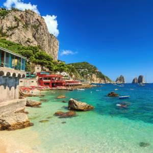 Weekend. Che cosa fare a Capri, tra passeggiate e profumi mediterranei