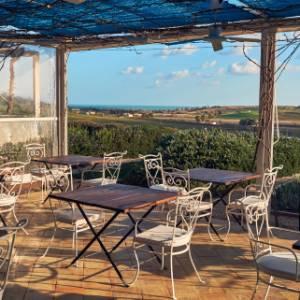 Le ricette dei nostri chef: in Sicilia per il coniglio alla salvia di Angelo Pumilia