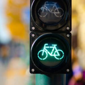 Cosa dice il nuovo decreto semplificazioni sulle regole per le biciclette nelle nostre città