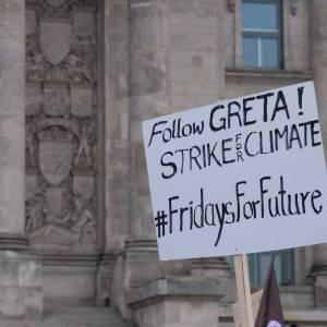 #Fridaysforfuture: Greta e gli altri studenti in piazza per il clima