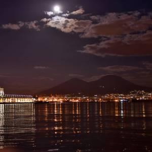 Al Punto Touring si scopre la Napoli Magica