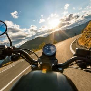 Viaggi in moto: i migliori itinerari su due ruote nella nuova Guida Touring
