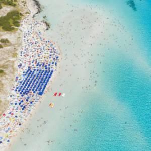 A Stintino numero chiuso e tariffa d'ingresso per la Pelosa, una delle spiagge più belle di Sardegna