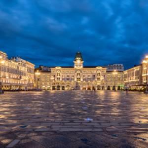 Salotti d'Italia: alla scoperta di Piazza Unità d'Italia, a Trieste