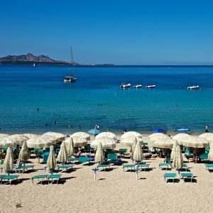 Sulle spiagge della Sardegna stabilimenti e chioschi aperti tutto l'anno