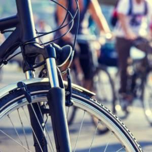 Città sostenibili: a Bari nel 2019 un euro al giorno per chi va al lavoro in bicicletta