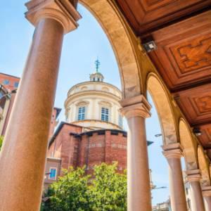 Passeggiata nel centro di Milano, alla ricerca di angoli nascosti e chiese segrete